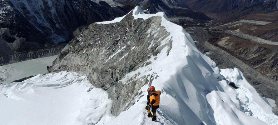 Island Peak ekspedisjon via Everest Base Camp Trek